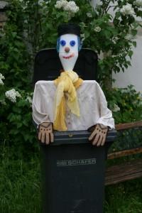 Marionnette en objets de récupération